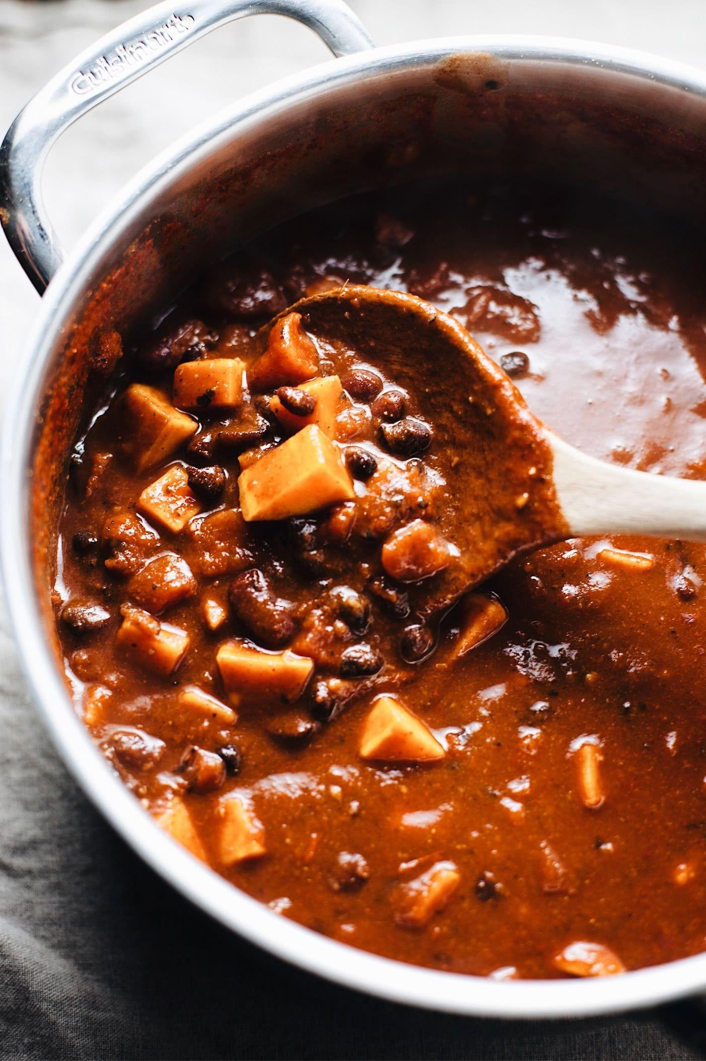 30 Minute Sweet Potato Black Bean Chili Recipe Vegan Recipes