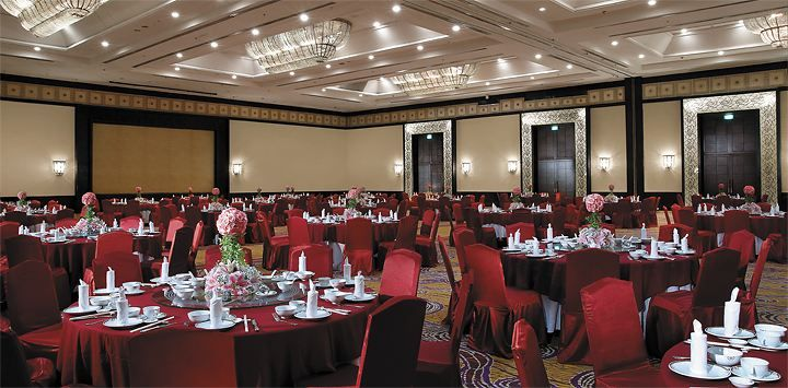 Grand ballroom shangri la hotel surabaya intimate gatherings shangri la hotel surabaya offers a wide range of wedding venues combined with personalised services ensuring all weddings are truly memorable junglespirit Images