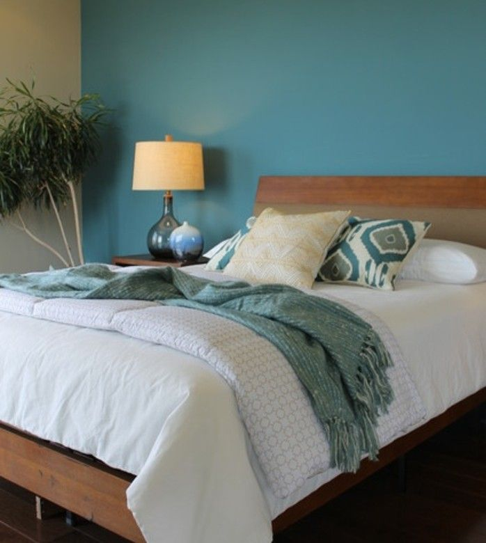 Superbe Deco Chambre Bleu Canard Avec Peinture Murale Bleu  Bonnes Idees