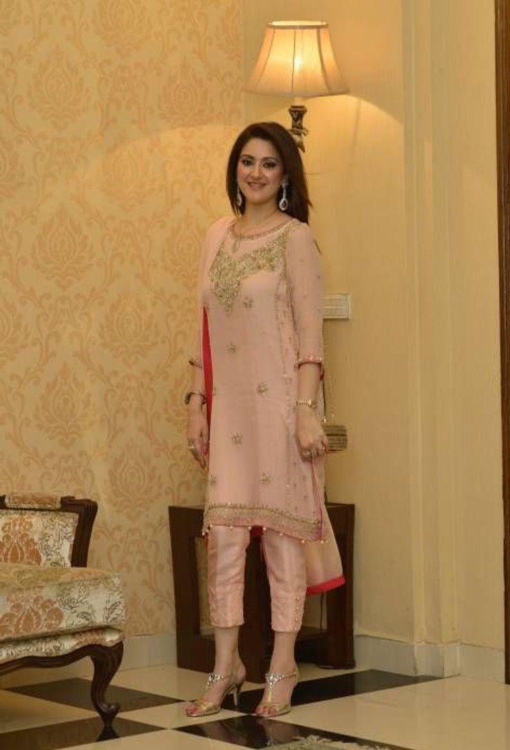 Simple n chic!!! Fashionista Pinterest Pakistani
