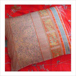 Pillowcas In Red Fong Granfoulard By Bassetti Sicily Saree