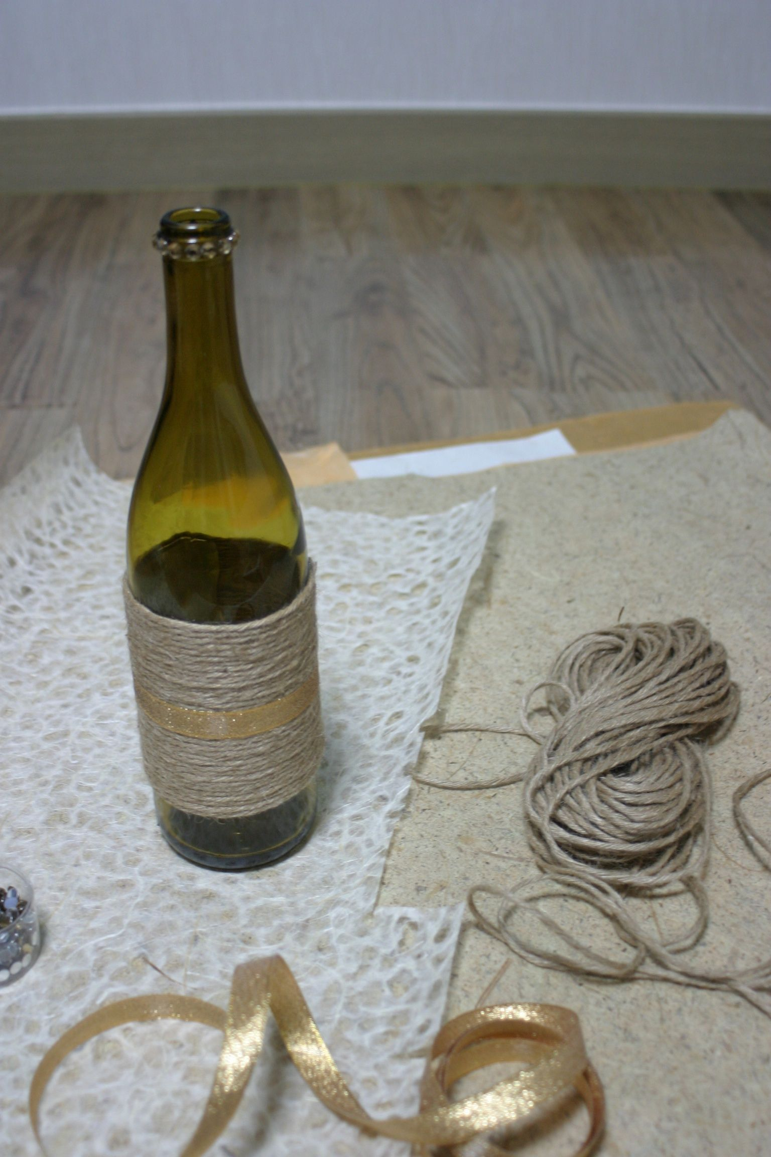 Diy wine bottle vase creative diy ideas pinterest bottle wine diy wine bottle vase floridaeventfo Gallery