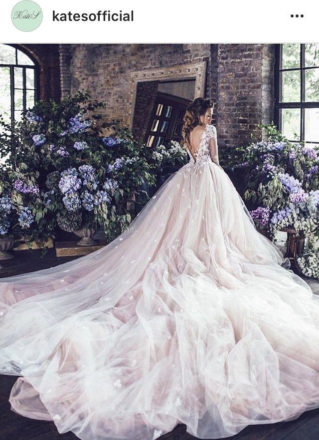 Pin von Валерия Куликова auf Wedding   Pinterest   Hochzeitskleid ...