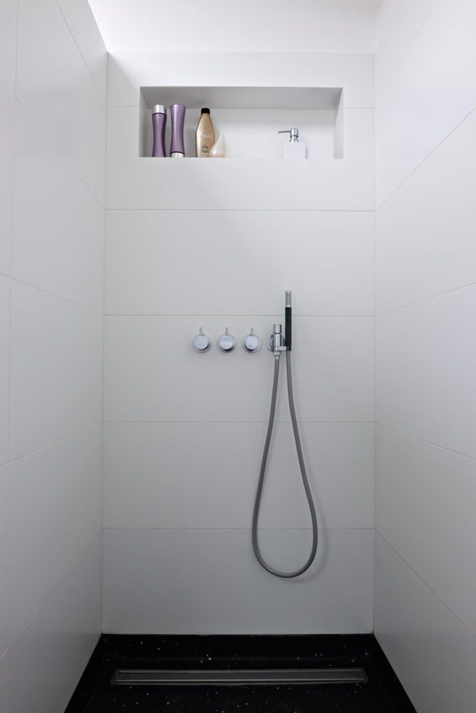 Stramt bad med varm glød | Bobedre.dk | badeværelser | Pinterest ...
