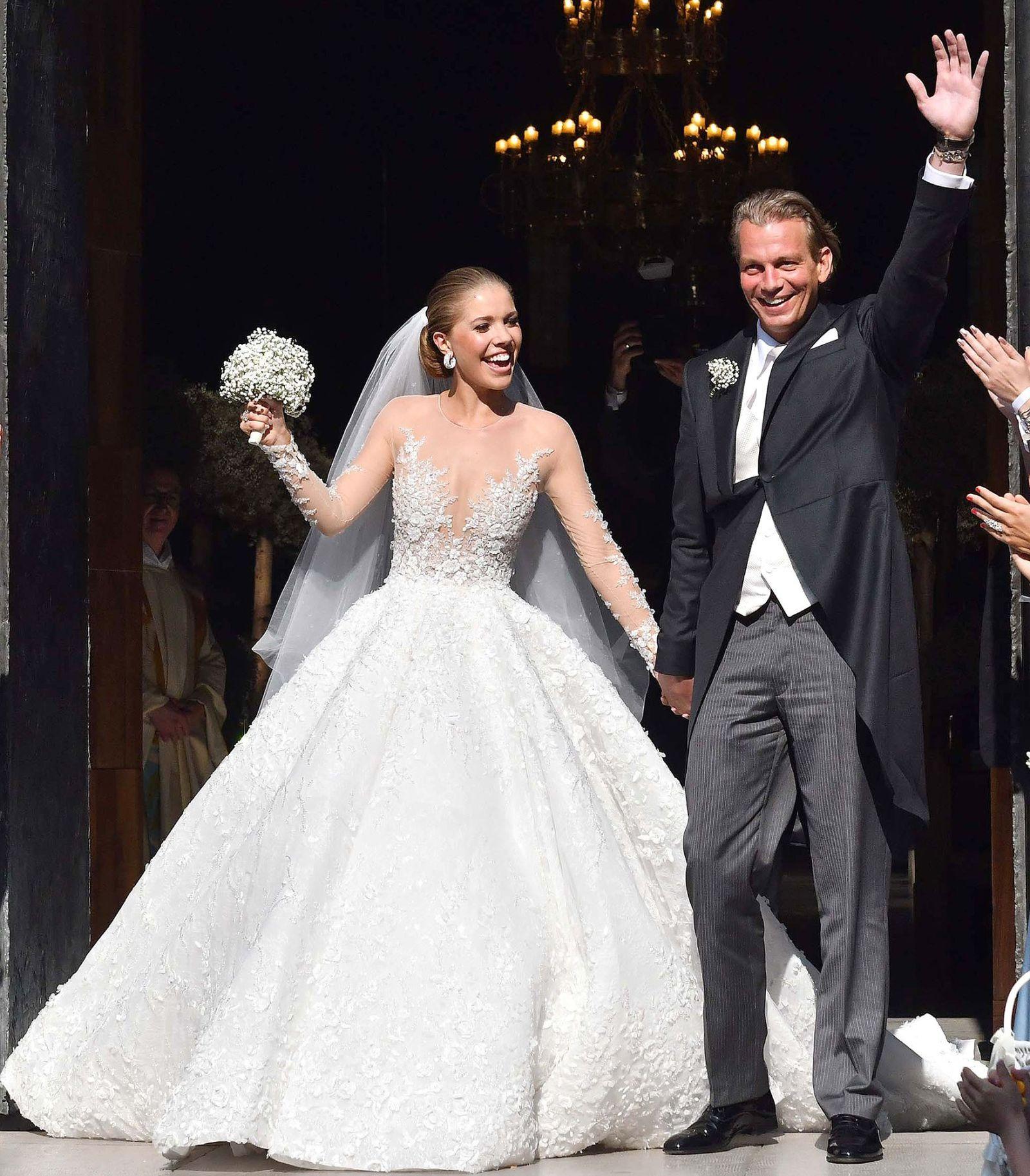 Vestiti Da Sposa Luccicanti.L Abito Da Sposa Di Victoria Swarovski E Ovviamente Il Piu