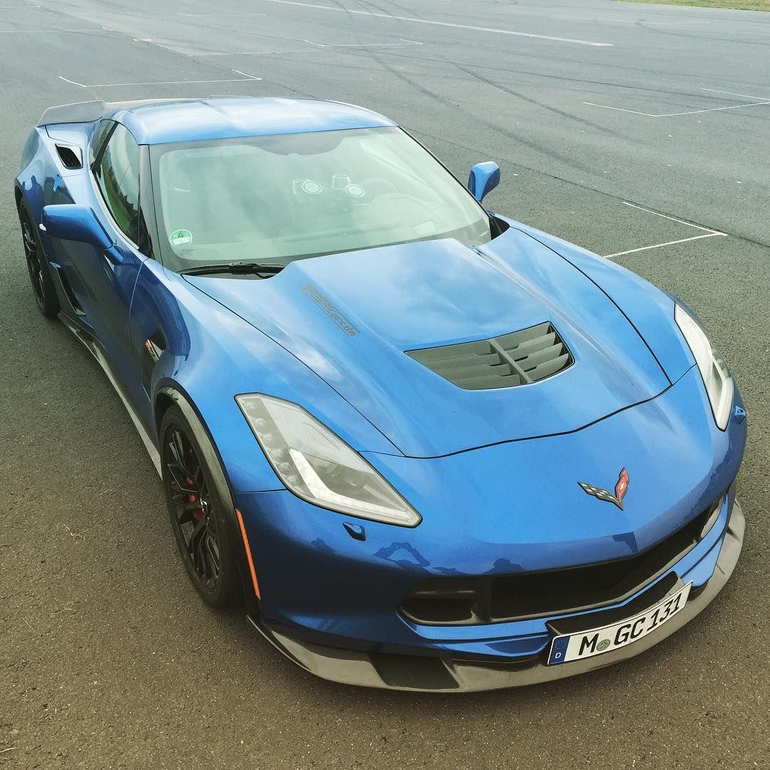 SLS Black oder lieber die Corvette?