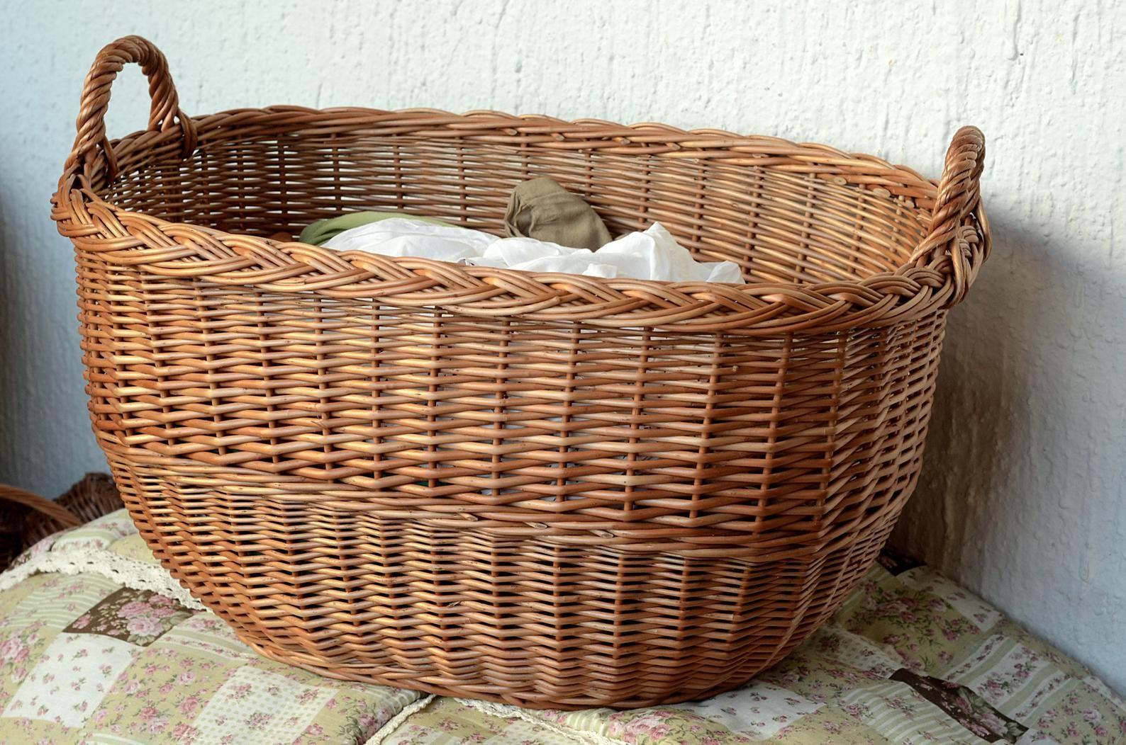 Wicker Waschekorb Handgewebte Aufbewahrungskorb Wasche Hamper Korb Weidenloge Korb Brennholz Korb Wicker Kiste Korb Zwei Griffe Laundry Basket Wicker Laundry Basket Wicker