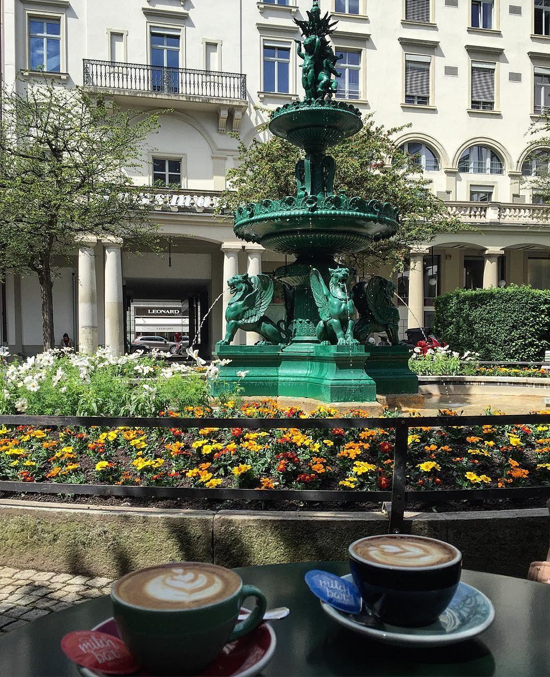 Coffee in Zürich at the Milchbar Paradeplatz, a charming