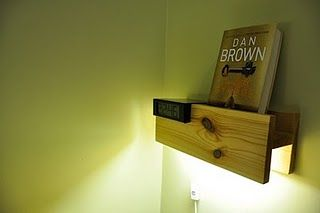bedlamp en nachtkastje in 1