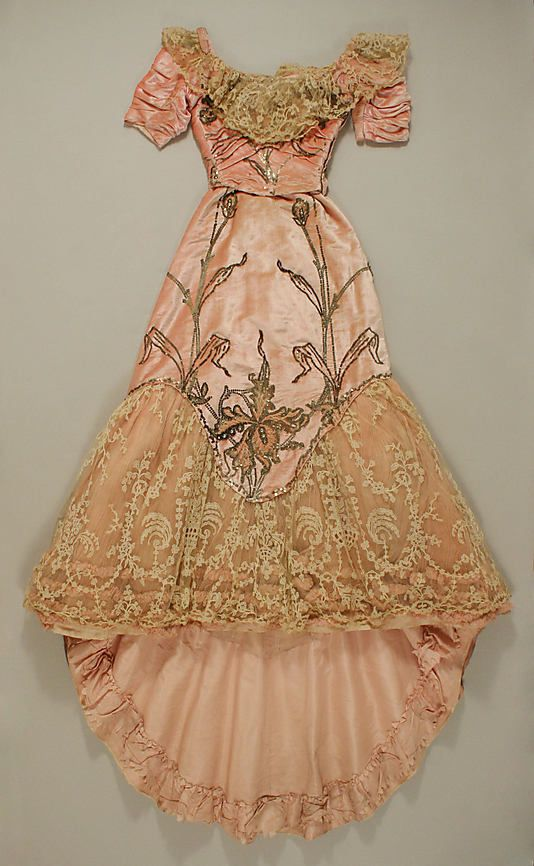 Ball gown by Jacques Doucet  Date: 1898–1900 Culture: French Medium: silk Accession Number: 49.3.30a, b The Metropolitan Museum of Art