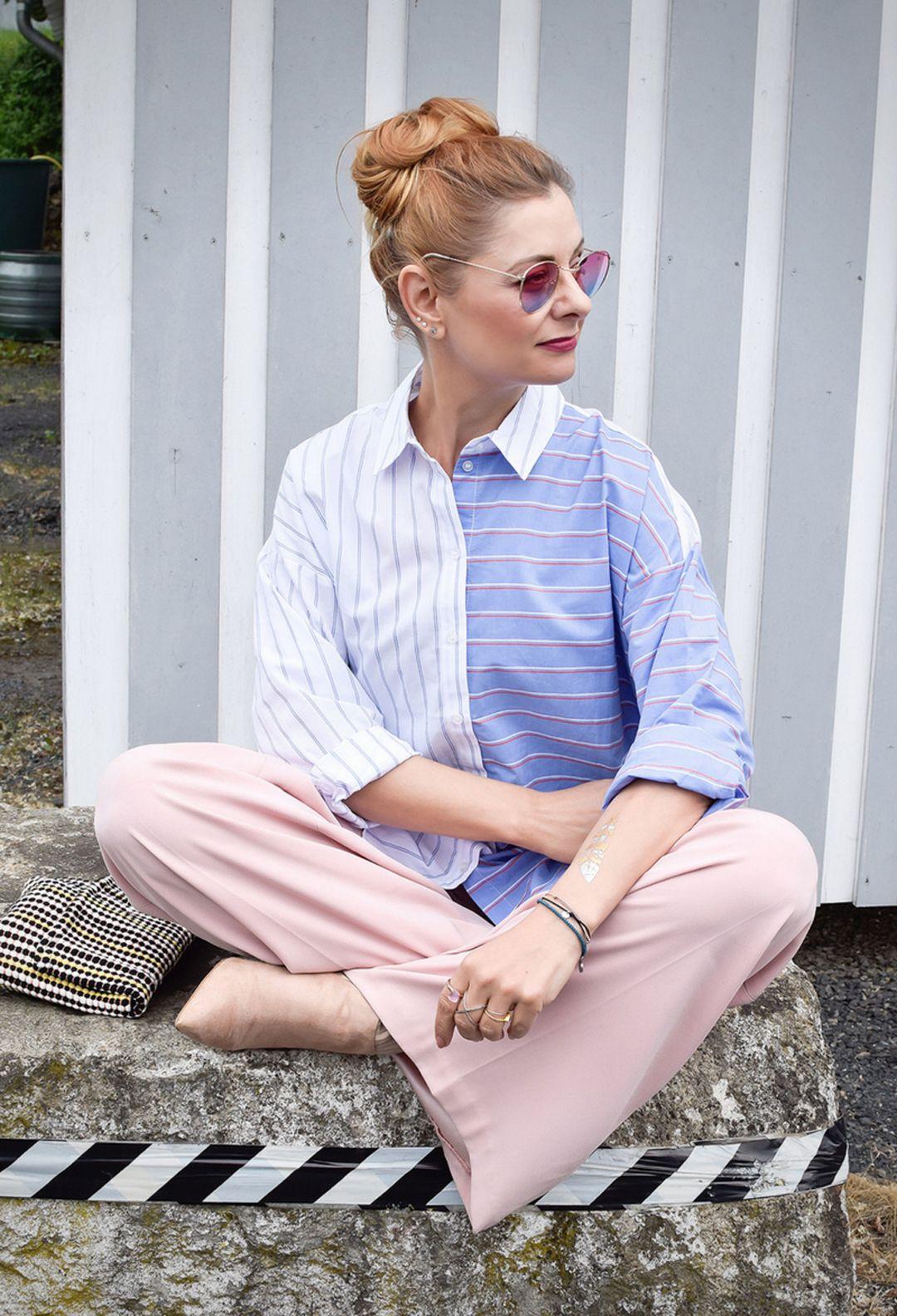 968a5c2c39 Gestreifte Hemdbluse mit rosa Palazzopants   So stylst Du eine gestreifte  Bluse   Outfit   #
