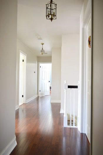 Trim Paint Benjamin Moore S Simply White In Semi Gloss Just Like The And Doors Upstairs Wall Edgecomb Gray