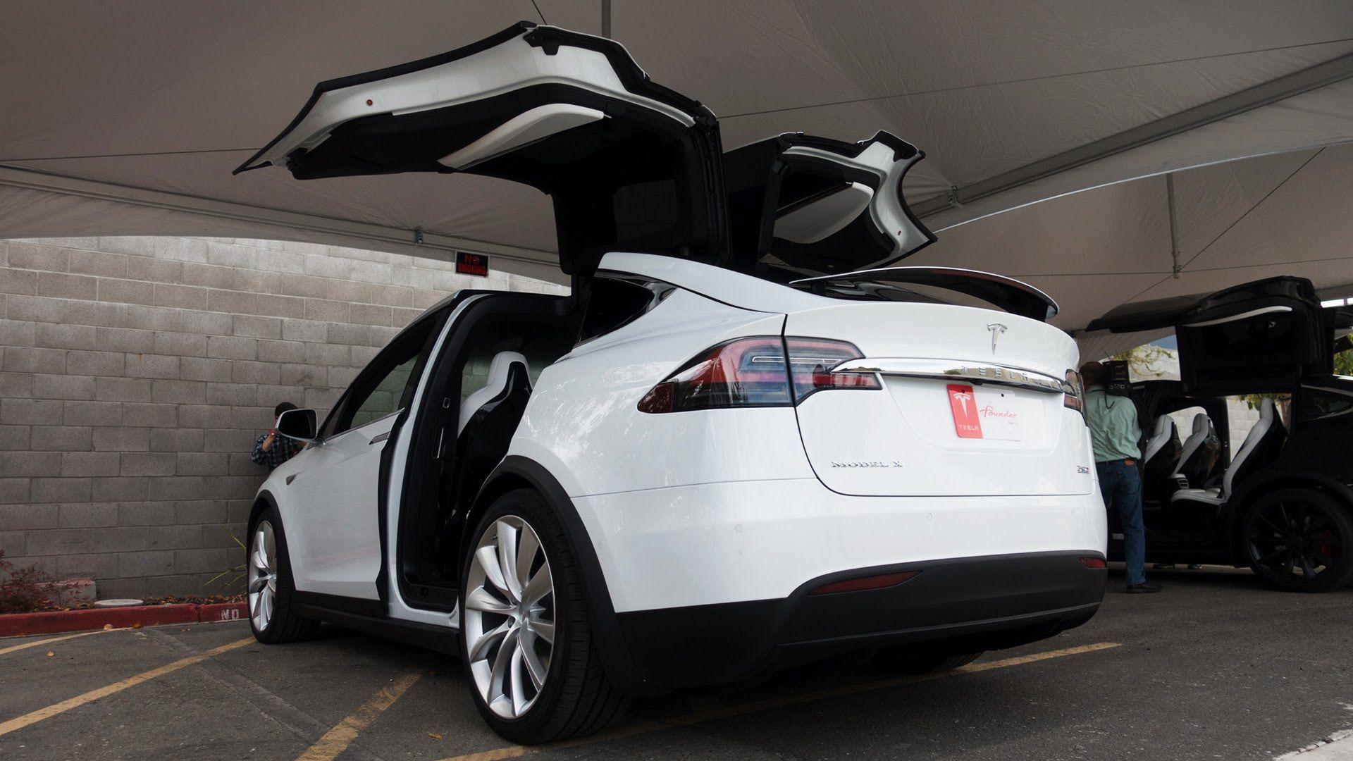 Tesla Model X first drive Carros elétricos, Auto, Carros