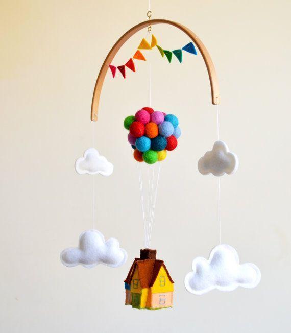 Über! Hausballons Disney Film inspiriert Baby Mobile. Aufwärts aufwärts ... #disneymovies