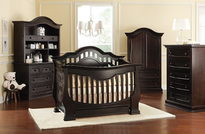 In LOVE with this collection! I WILL have it. :) #baby #crib ...