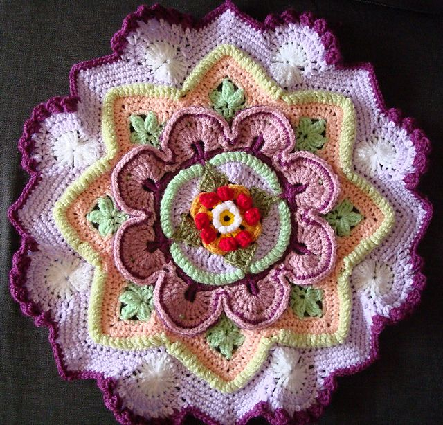 Ravelry: Project Gallery for Mandala Madness pattern by Helen ...