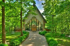 Stonegate Glass Chapel Branson Missouri 3