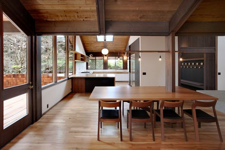 Japanese Inspired Bainbridge Island House Dining Room And