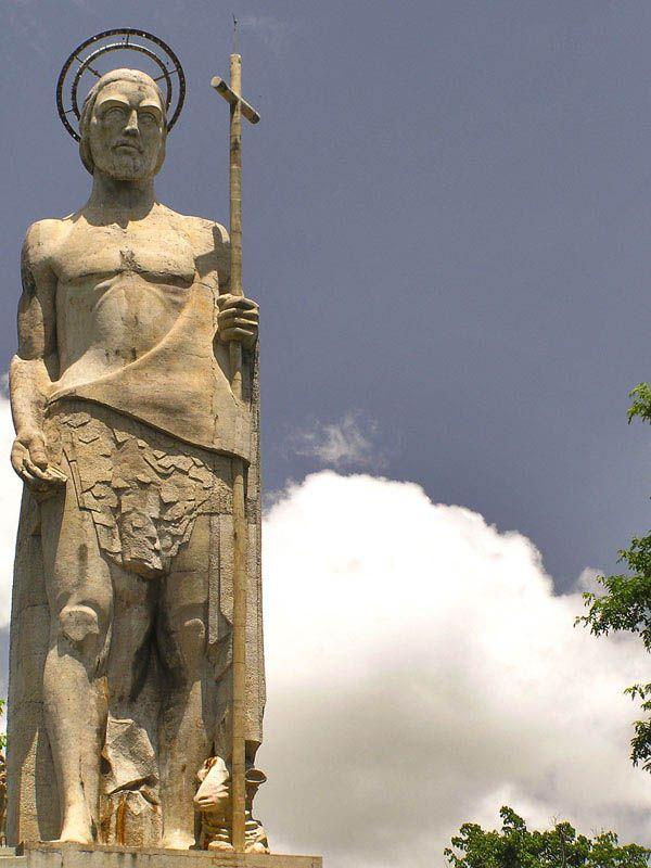 El Monumento A San Juan Bautista En Guarico Venezuela San Juan