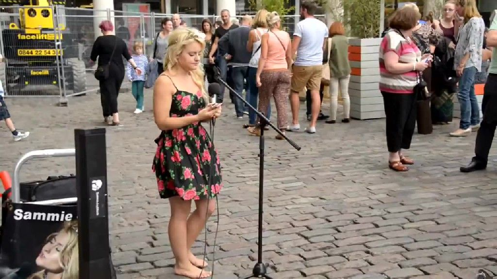 Sammie is a tiny singer with powerful voice, who prefers to perform without any shoes. Visitors to London's Covent Garden got to experience Sammie's powerful performance first-hand in August as many stopped to hear the diminutive diva sing, resisting the attraction of the high street shops nearby, if only for a little while. Credit: YouTube/MoElnadi