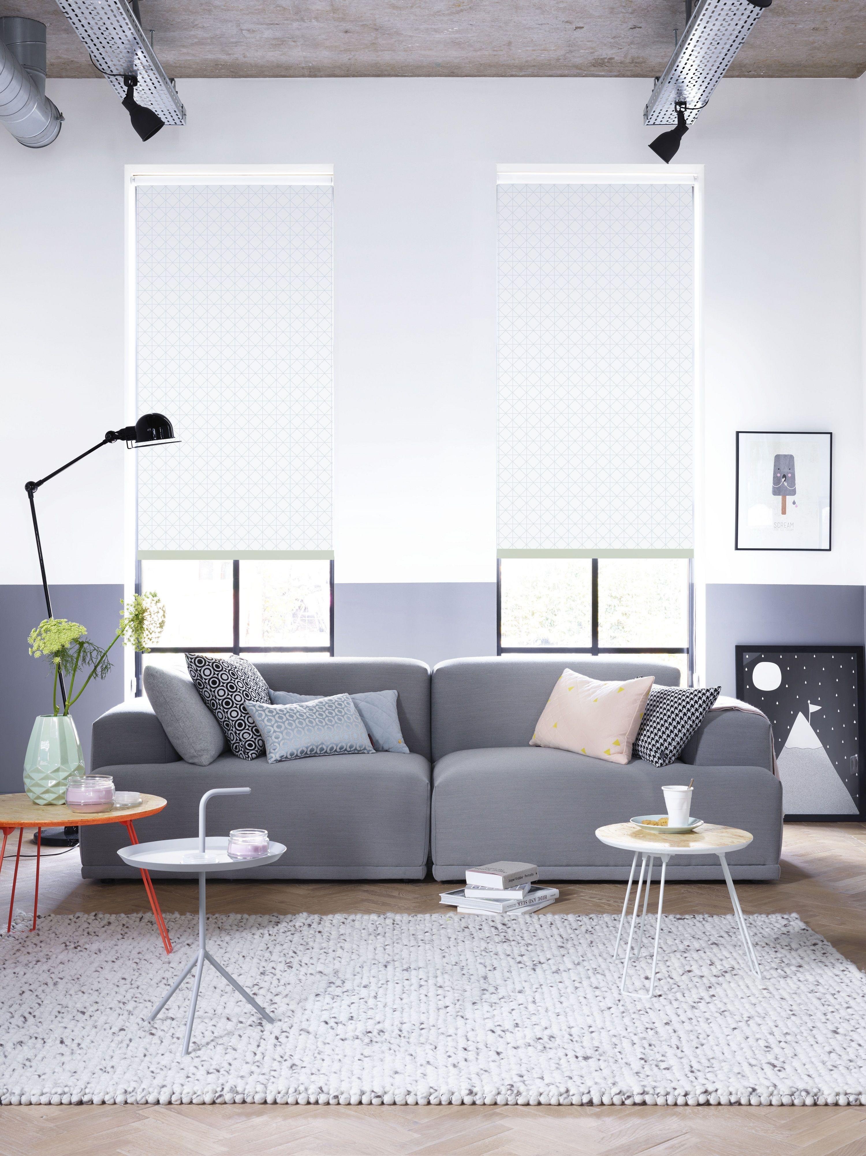 rolgordijn #licht #inspiratie #woonkamer #wonen Op de bank: zwart ...