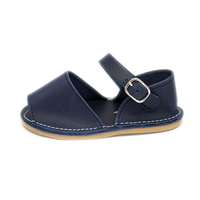 Handcrafted in Menorca by local artisans using only the finest butter-soft leather on the upper and a lightweight, flexible slip-resistant sole (as recommended by experts). As easy to put on as they are to keep on, these sweet avarcas are perfect for babies as well as for toddlers learning to walk.