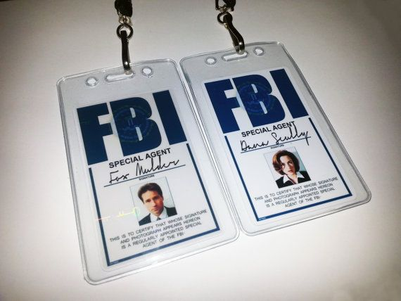 x files vertical id badges mulder and scully set by malinkocrafts