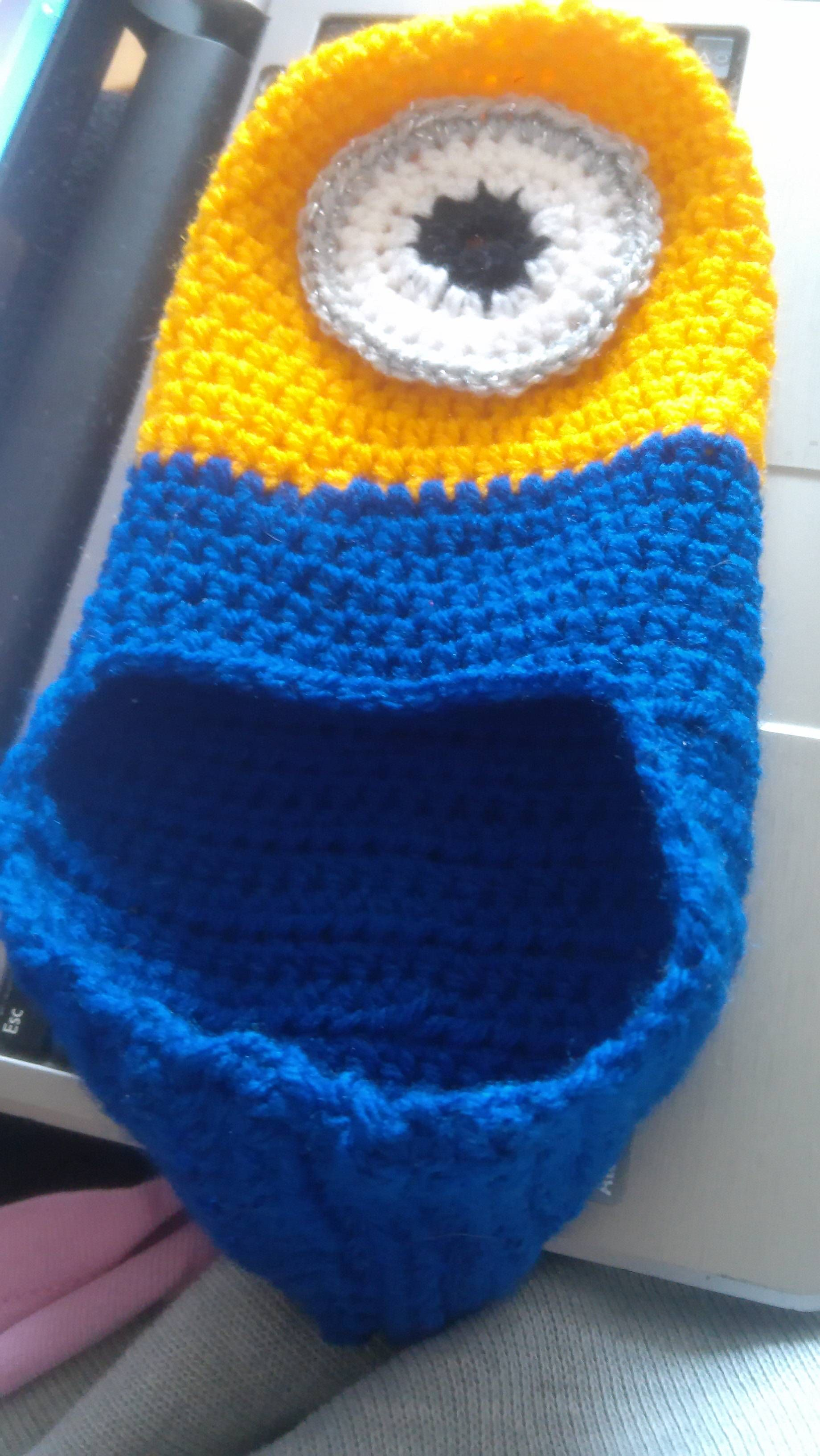 Slippers inspired by Minions – our free pattern and tutorial ...