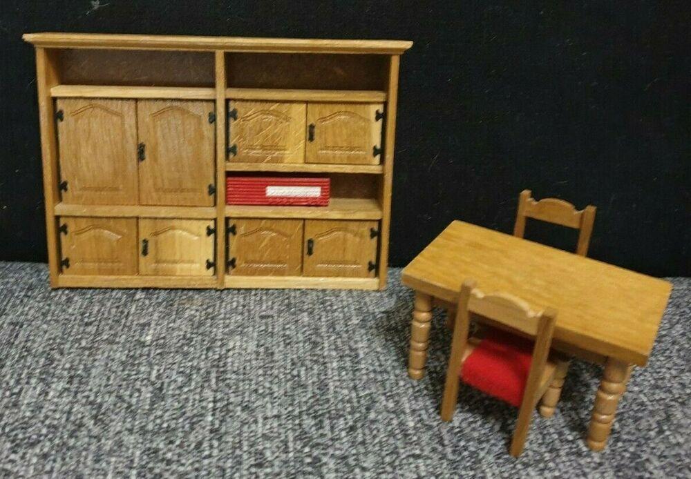 Puppenstube Mobel Von Vero 4 Teile Holz Schrank Tisch Stuhl Puppenstube Mobel Puppenstube Stuhle