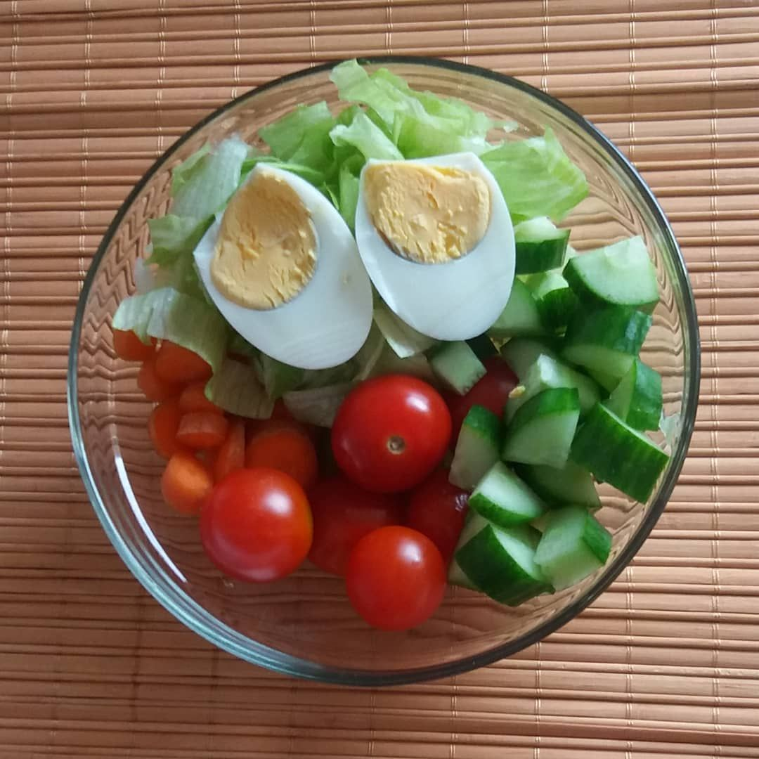 #salad     #keepitsimple     #healthyfood     #livelong     #tomato     #cucumber     #lettuce    ...