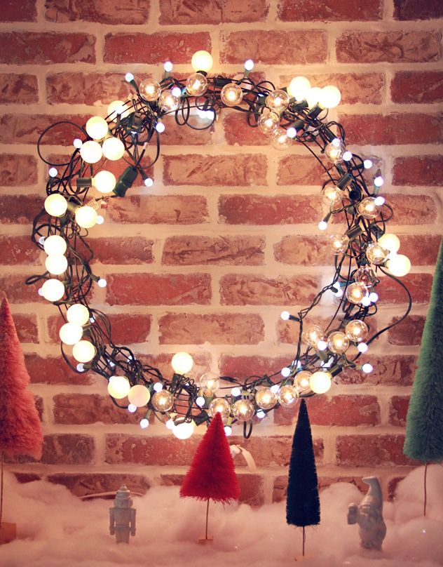 Adorable way to illuminate any #anthroregistry wreath DIY Light String Christmas  Wreath w #Anthrofave Trees! - DIY Light String Christmas Wreath Casa: Winter Vintage Christmas