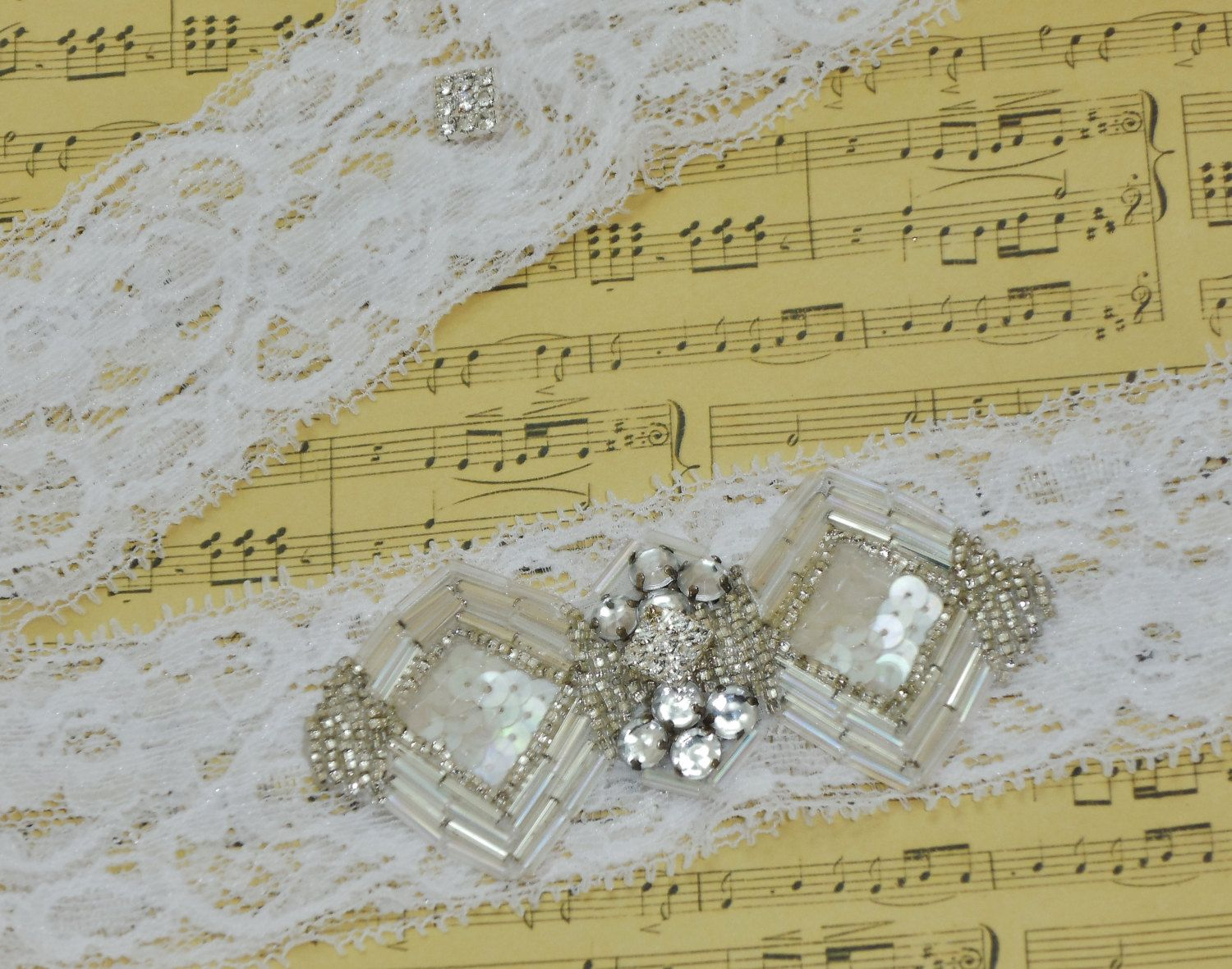 Bridal Garter Set Art Deco Style Rhinestone Keepsake & Toss Garter by DESIGNERSHINDIGS on Etsy