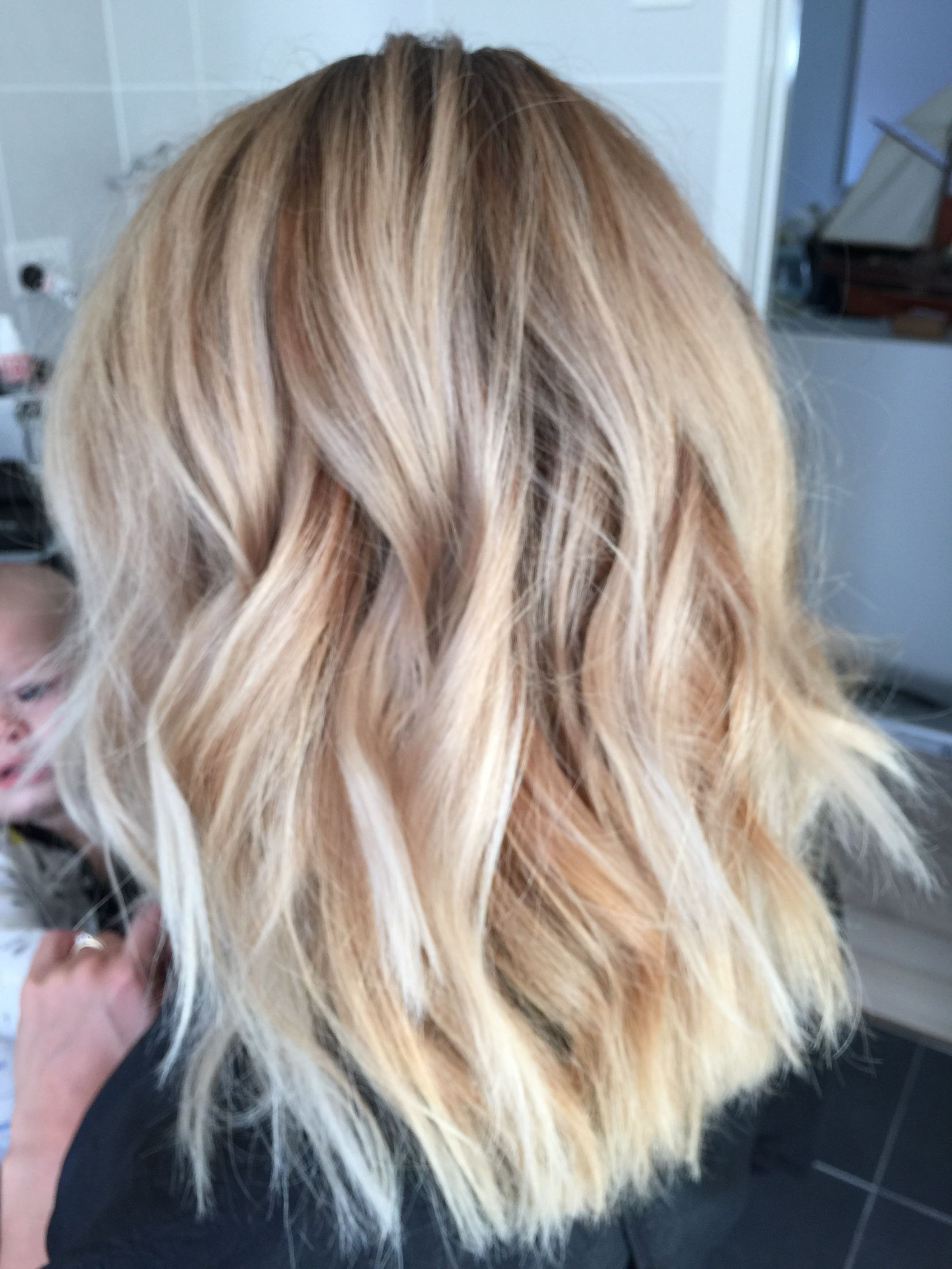 Ombr 233 Blonde Lob With A Textured Wave Hair Beauty