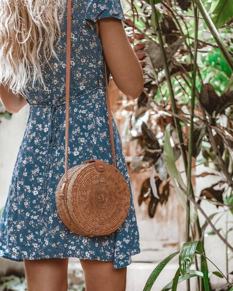Photo of Runde Rattan Tasche, Boho Stroh Geldbörse, Bali Tasche, handgewebte Umhängetasche, Stroh Kreis Tasche, Wicker Tasche, natürliche Ledertasche