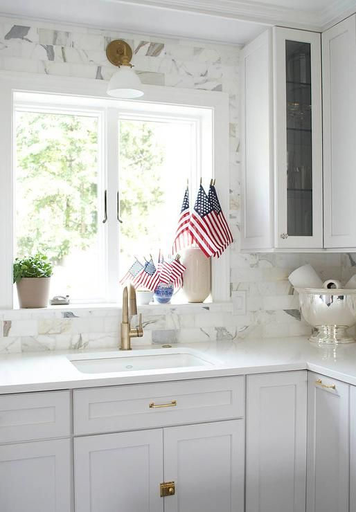 Full Height Marble Subway Tile Backsplash Transitional White