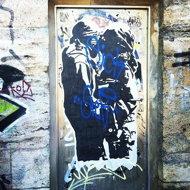 The big original (see post yesterday) #streetart #pasteup #wheatpaste #munich #münchen isarradweg muffat