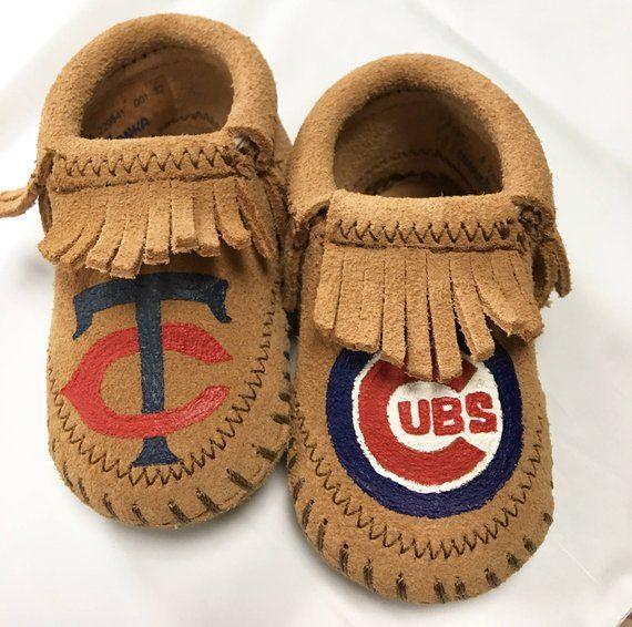 da10afc26826d Custom Hand-Painted Minnesota Twins Chicago Cubs Baby Booties ...