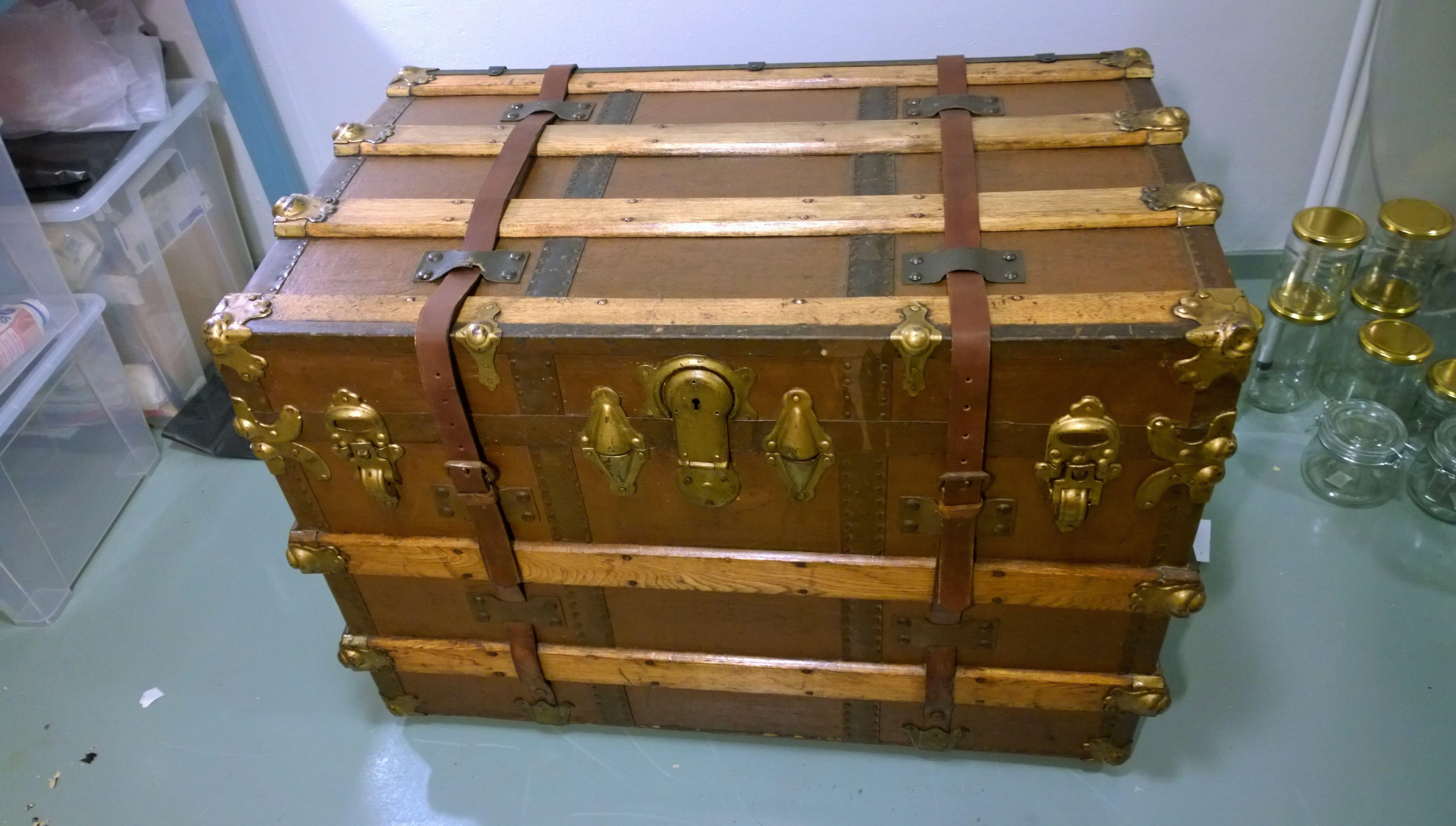 1900-luvun alkupuolella valmistettu Amerikan arkku restauroituna. Todella kaunis ja hyväkuntoinen yksilö :)