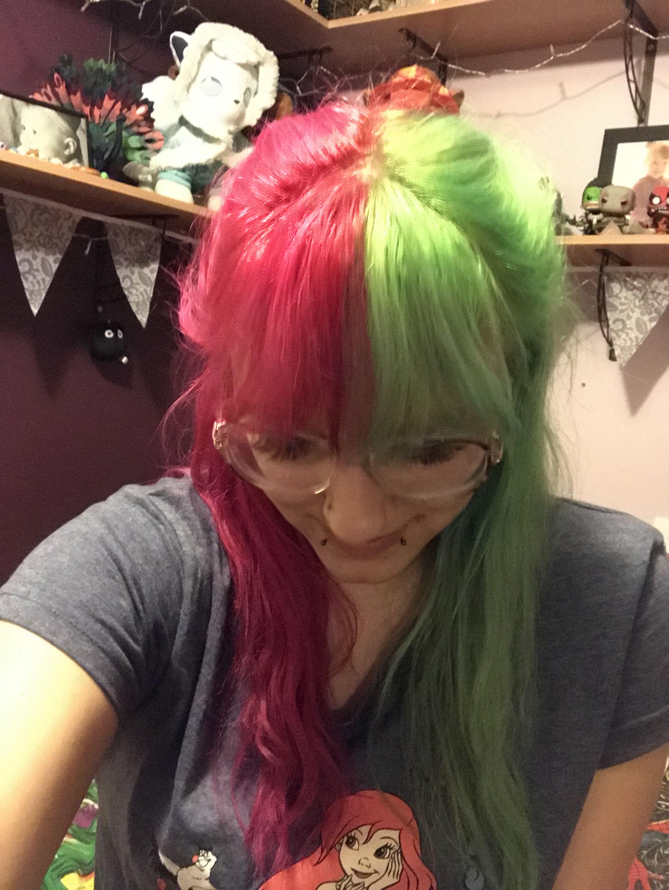Pink And Green Split In 2020 Green Hair Aesthetic Hair Split Dyed Hair