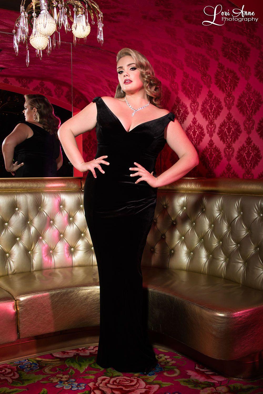 Laura byrnes california gilda gown in black velvet vintage