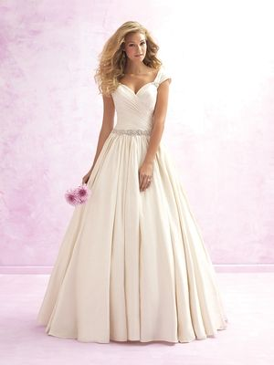Sweetheart Princess/Ball Gown Wedding Dress  with Dropped Waist in Taffeta. Bridal Gown Style Number:33039264