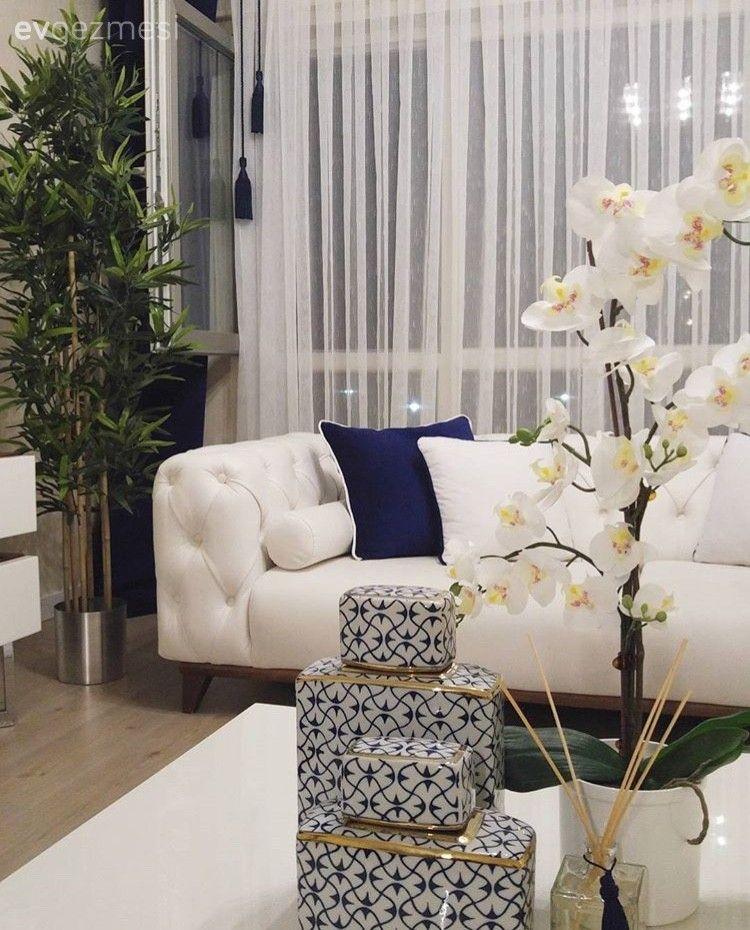Esra hanımın beyaz ve lacivert uyumunda, şık salon dekoru..   Ev Gezmesi #evdekoru
