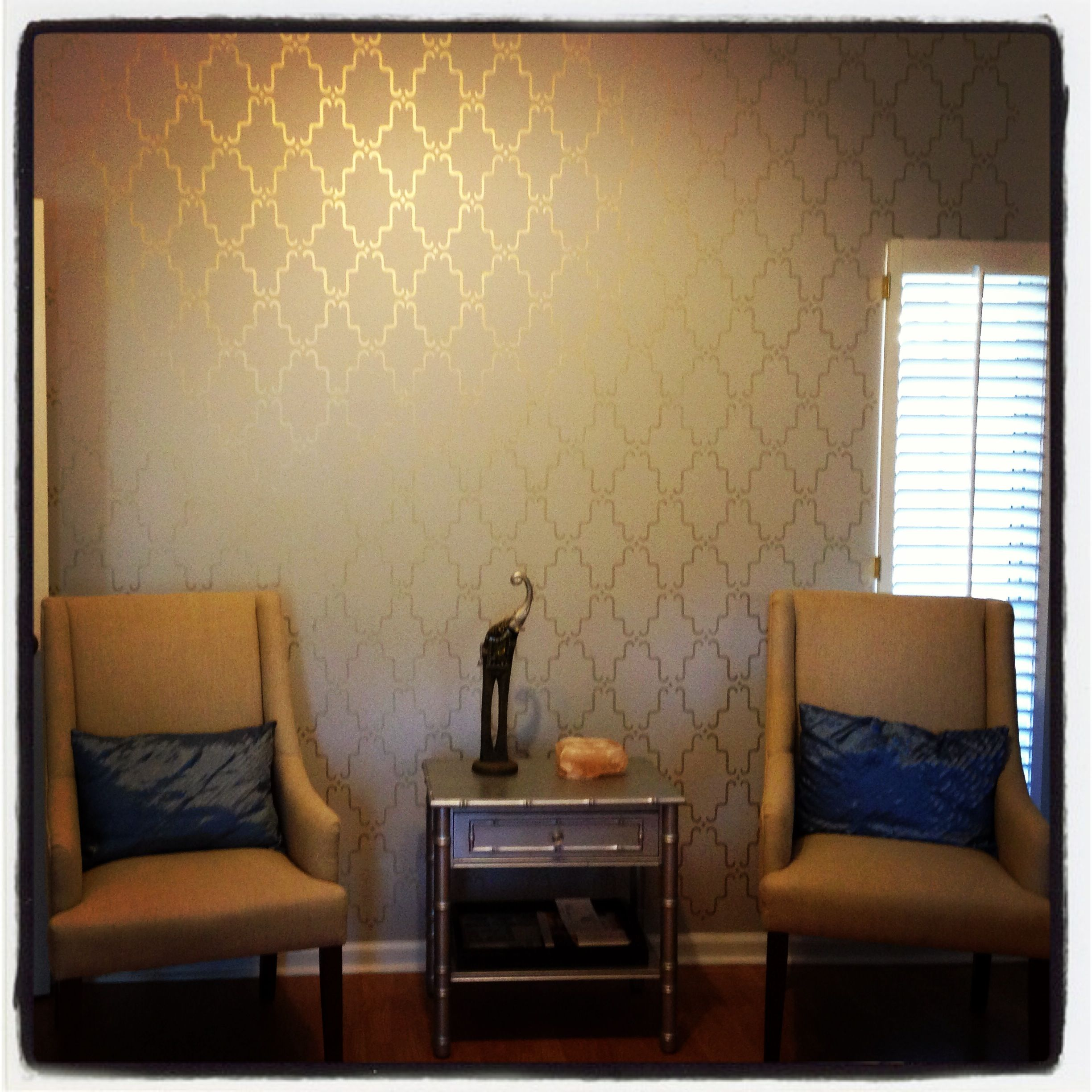Metallic Looking Accent Wall: Stenciled Accent Wall With Metallic Gold Paint. Wonder If
