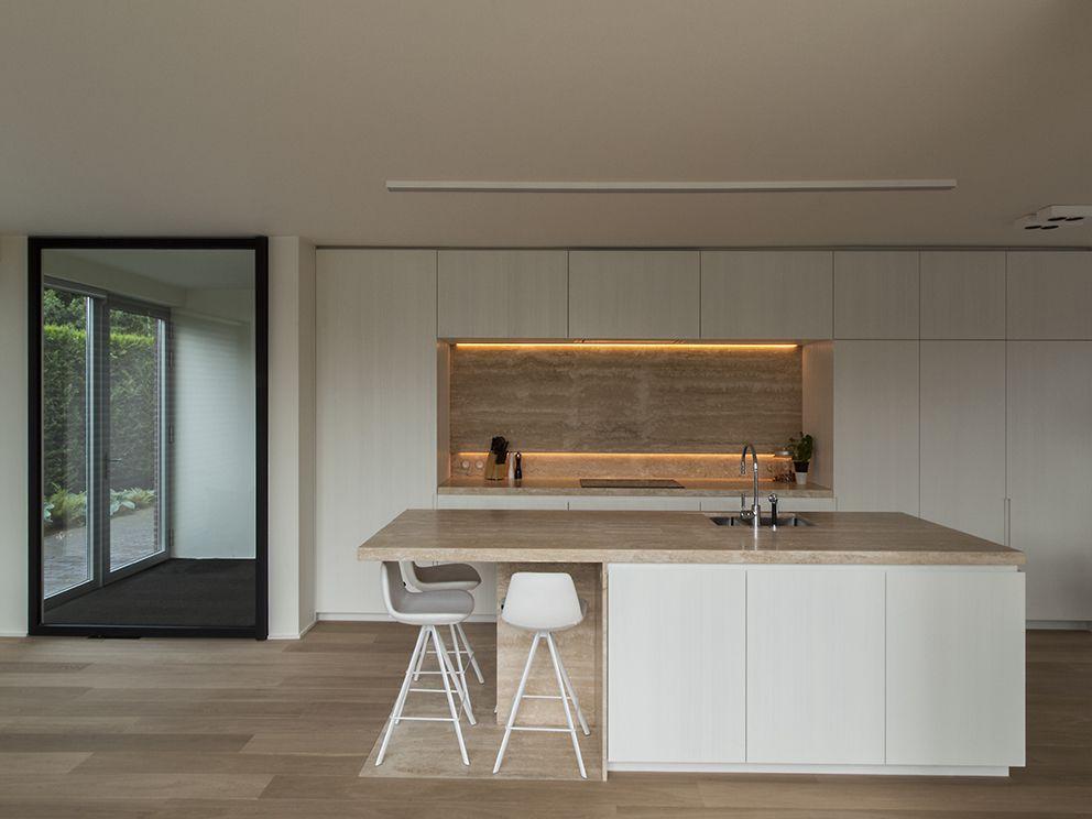 Britt van namen modern interieur met warme natuurlijke materialen
