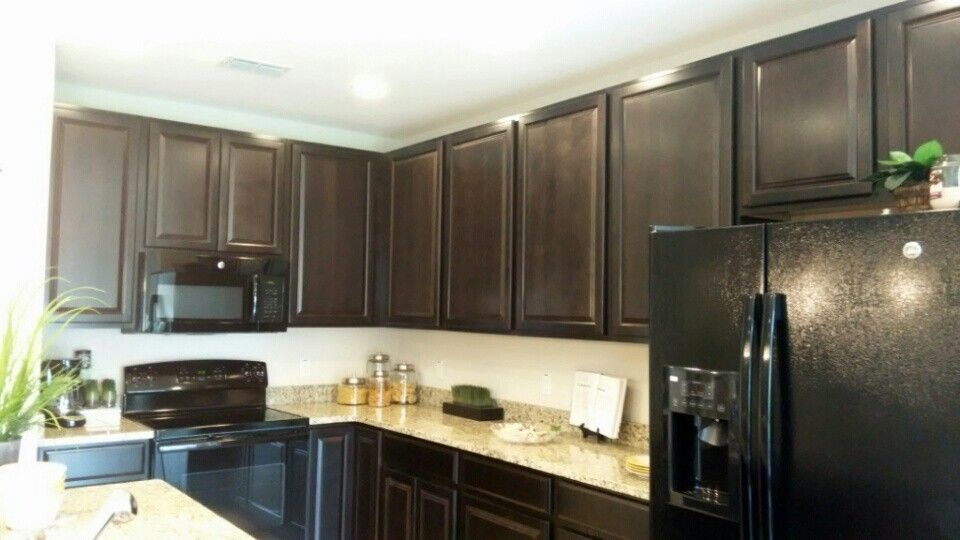 Twilight Cabinets With Black Appliances Different Granite Color And Backsplash Black Appliances Granite Colors New Homes