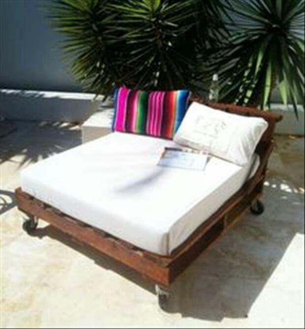 transat en palettes palette meuble jardin. Black Bedroom Furniture Sets. Home Design Ideas