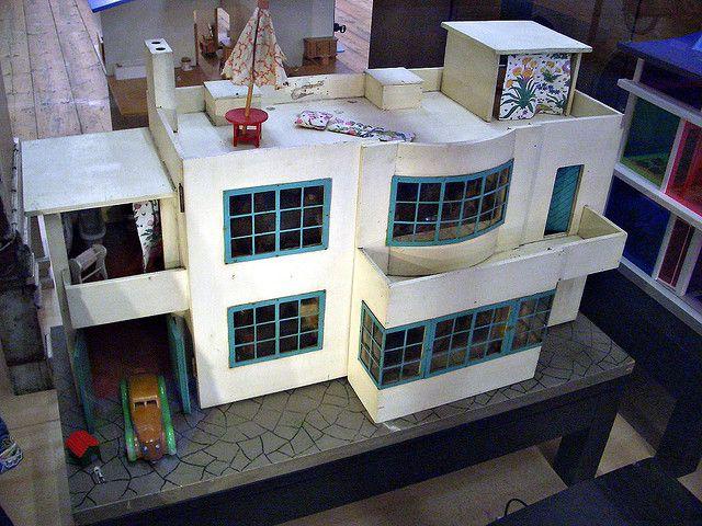 Tri-ang Modern dolls' house   Flickr - Photo Sharing!