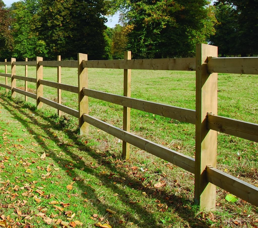 This Attractive Fencing Comprises Of Sawn Square Section