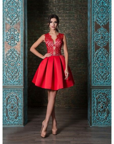 23ebf2abb Luxusné spoločenské šaty na predaj a na prenájom s čipkovaným vrškom ...