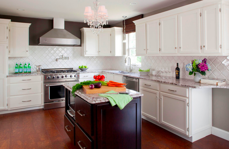 This Homeowner Went For Bianco Antico Granite Counters, Arabesque Tile  Backsplash And Builder Grade Cabinets Painted In Benjamin Mooreu0027s Cloud  White.